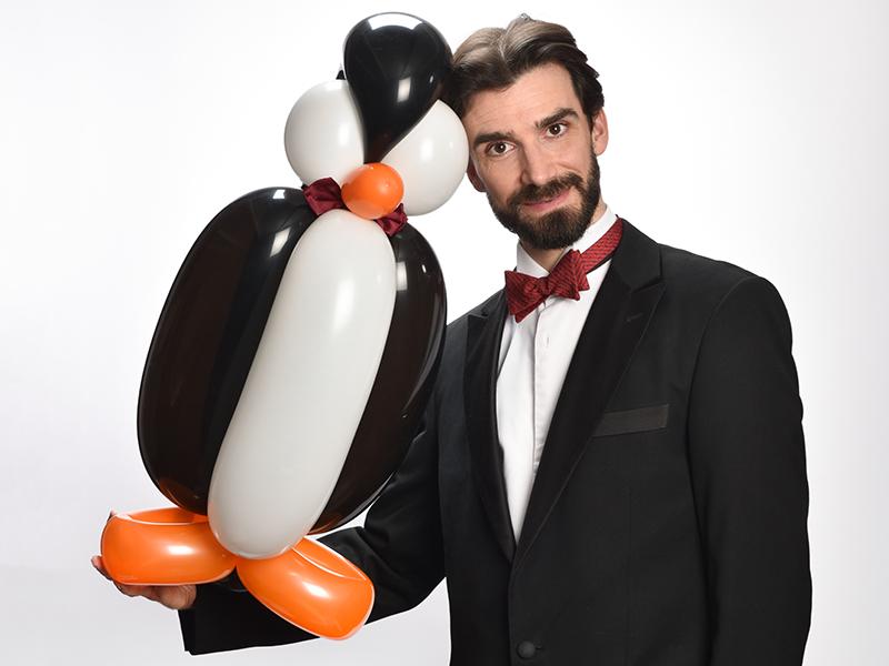 Balloon modeling in Paris, Benoît Rosemont